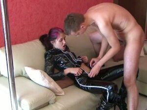 Amateur girlfriend homemade lapdance with suck and fuck and cumshot