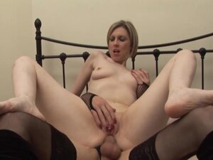 Shemale with an amateur tranny & woman fuck each othe