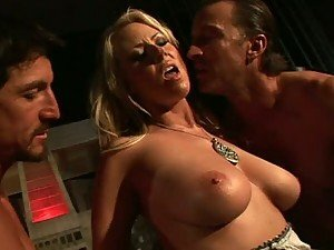 Big Breasted Blonde Carolyn Reese Gets Double Teamed