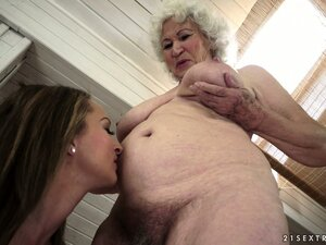Young lezzie trying to impress an old grandma with her oral skills