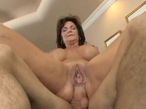 Mom rides a dick