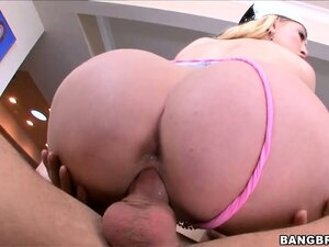 She bounces her round ass on his cock, goes spoon and gets a creampie