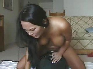 She has an orgasm riding the Sybian