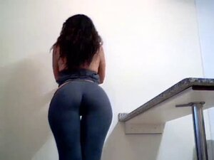 Gorgeous brunette showing her perfect big booty