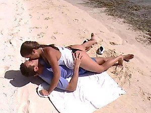 Babe with Juicy Natural Boobs Having Sex at the Beach