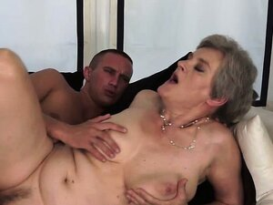 Granny intense fucked by young hunk