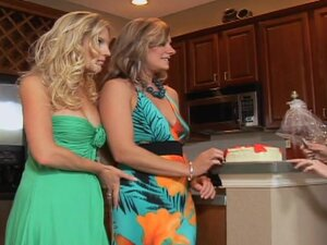 Milfs in dresses eat pussy in kitchen