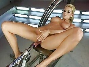 Blistering Nicole Graves Is Machine Fucked Up Her Slit