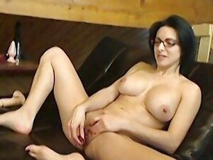Cam slut Bianca sex talk and toys her pussy