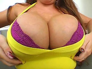 Big Girl with Humongous Knockers Gets Her Snatch Banged