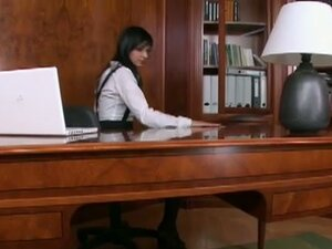 Bored secretary with sexy feet in office pussy play