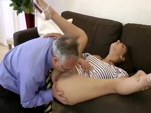 Teen gets her pussy sucked by old man and loves it