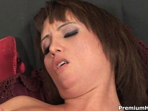 Milf Sophia takes stick and cream