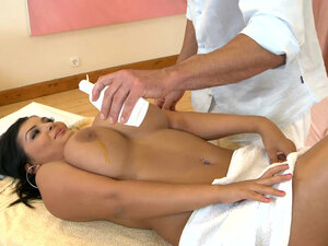 Jasmine Black is getting gorgeous massage and dick