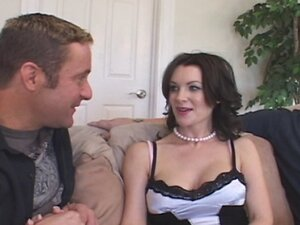 Sensuous Housewife's Lucky Day
