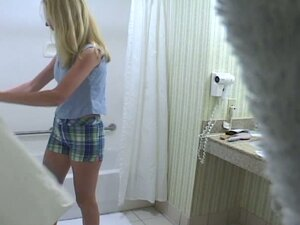 Blonde in bath voyeur
