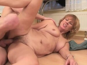 Hairy mature with wrinkles fucked hardcore