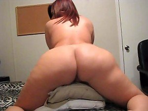 Redhead Babe Roxy Is The Bomb When She's Naked