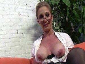 Mature Jenna Covelli gets fucked by Two Big Black cocks