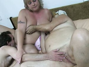 Hungry pussy eater pleases two old cunts by a proper licking