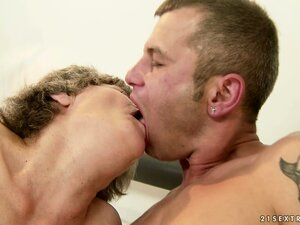 She blows his meat and then humps him before he licks her again