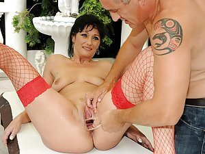 Susan, this forty-nine year old horny mature lady is extremely sex-hungry! She totally enjoys as Bruno stretches her old vagina to the max by inserting his full fist into her wet pussy! What's more, she even gets a speculum right into her slit and it's so