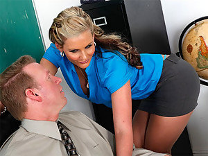 Prof. Phoenix Marie is that horny and sinfully hot stallion who can fuck the stress out of anyone who wishes her to! She is a good colleague and friend to other staff and here you can see the way she develops rapport with her male staff! C'mon in and get