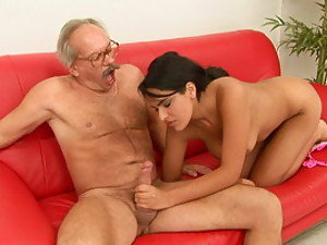 Oldman screw a hot Latina girl