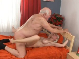 This old grandpa is so fucking lucky to fuck a sizzling babe