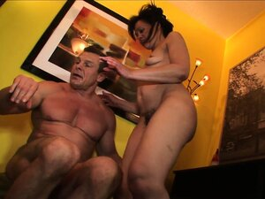 Hairy momma gets her gaping pink snatch pounded in a piledriver