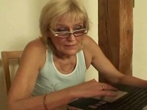 Blonde mature granny have hardcore sex