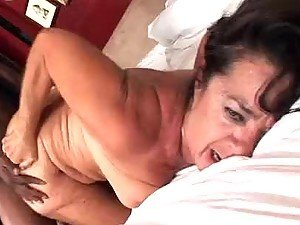 Grandma recieves a pussy pounding in Mature Sex Video