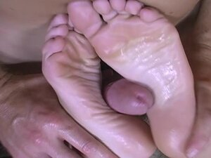 Alexia givin a footjob then gets fucked wit cum on feet