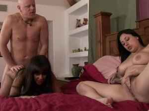 Fucking the Daughter and The Mother in Amazing FFM Threesome