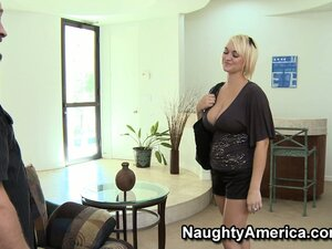 Anya Peacock makes her man eat her out before she gives him head