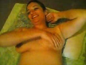 A pregnant Persian chick lies down to let her fella ride her hard and fast
