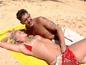 MMF DP Threesome at the Beach with Blonde Beauty Sandy Style