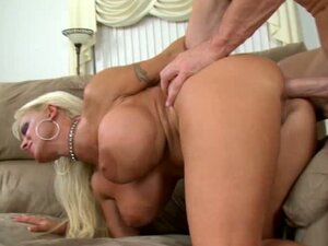 Big bubble butt milf Holly Halston gets a sweet titty fuck on the couch