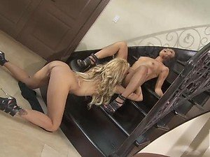 Jessica Drake and Kaylani Lei Eat Their Shaved Pussies In High Heels