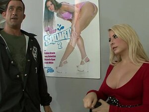 Pretty Blonde Show Her Big Ass And Boobs