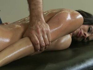 Sexy Jadra Holly gets covered in oil & rubbed down