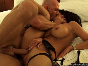 Hot mom with big boobies gets banged and blows his boner in the bed