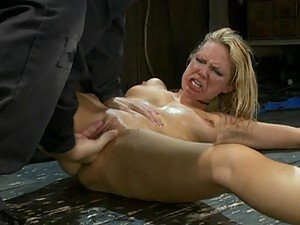 Hot Babes Getting Really Wet In Bondage Scene