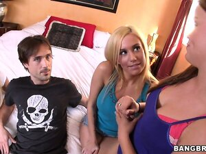 Mariah Madysinn, Kaci Star and Rebecca Blue sucking cock and sitting on this guy's face