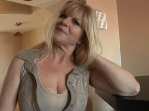 Busty mature milf Dawn Jilling is masturbating