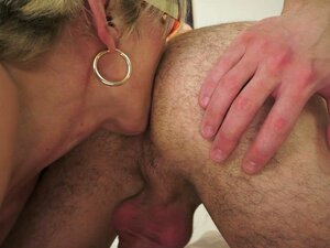Sexy Mature Gets Down to Business To Get Fucked and Lick Ass