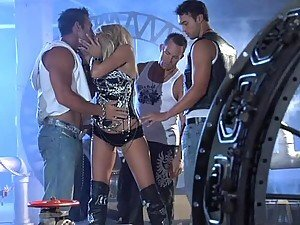 Gangbanging Fun With The Busty Blonde Jessica Drake