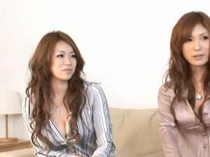 Dazzling Japanese Hotties Giving a Hot Lesbian Show