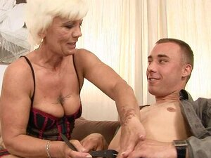 Incredibly Horny Granny Enjoying Some Fresh Dicking