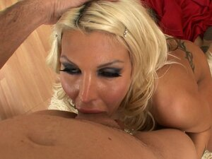 Nasty mom enjoys tasty dick
